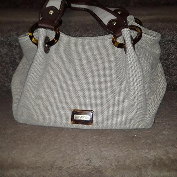 Relic Handbags - Relic tan woven purse.